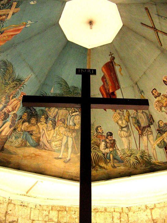 800px-Cebu_Magellan's_Cross